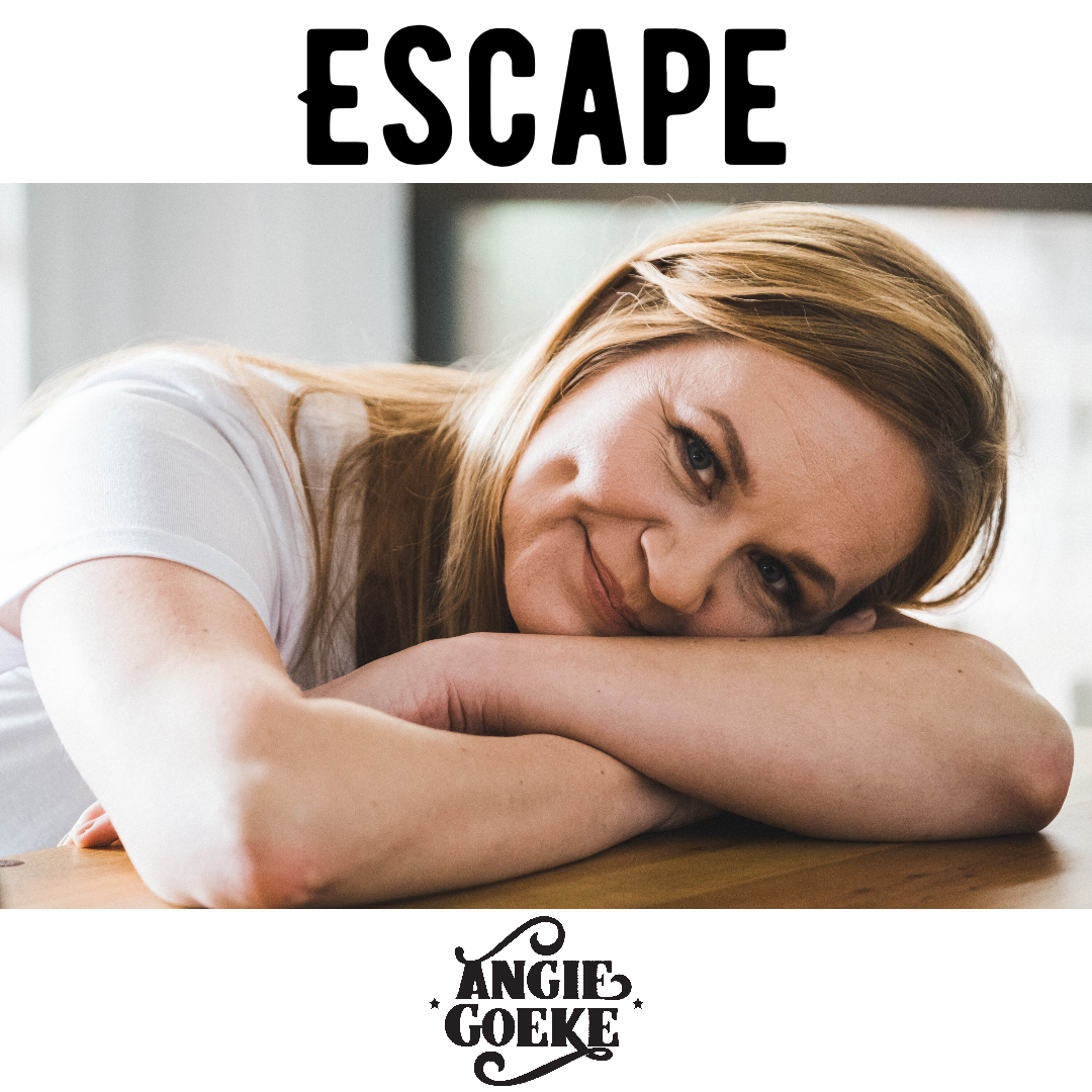 Angie-2020-ESCAPE-PixTeller
